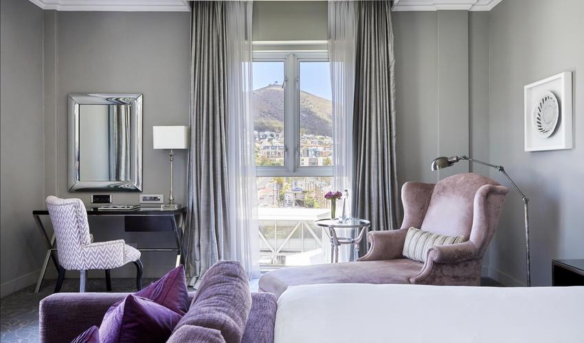 Queen Victoria Hotel | Premium Room