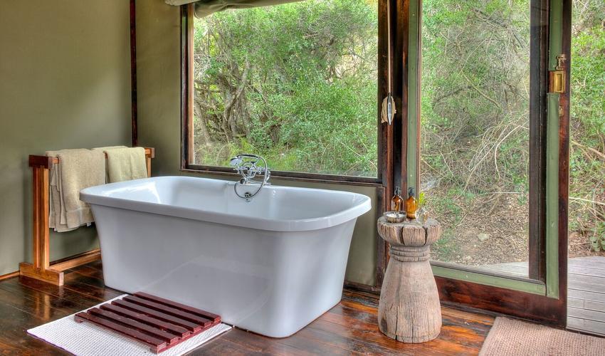 Spacious En-Suite Bathrooms