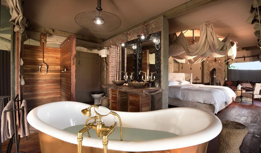 From bathroom to bedroom - open plan