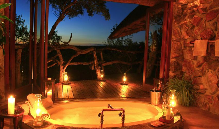 Hideaway Cottage bath