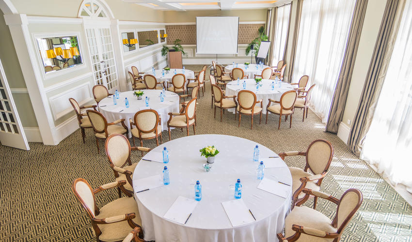 Conference room with capacity of 60 pax