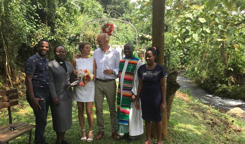 Weddings, Vow renewals and honeymoons at Mahogany Springs
