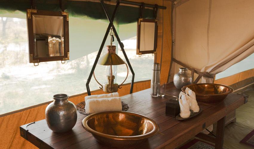 Selinda Explorers Camp Bathroom