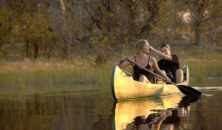 Canoeing at Selinda Explorers Camp