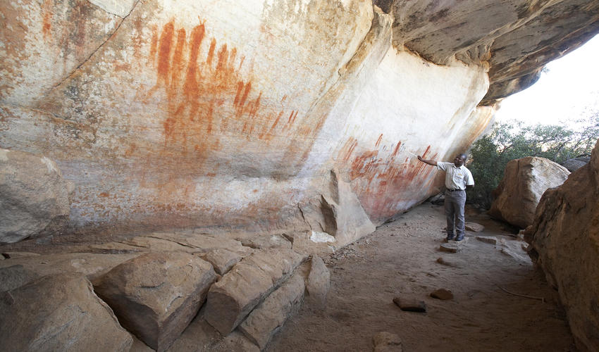 Guided rock art excursions - The reserve is custodian to over 130 San rock art sites, some of them dating as far back as 10 000 years.