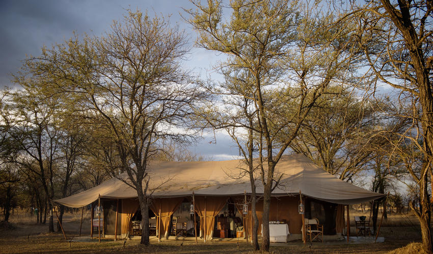 ... Mess exterior ... & Serian Kusini | Luxury Safari Camps u0026 Lodges | Extraordinary Journeys
