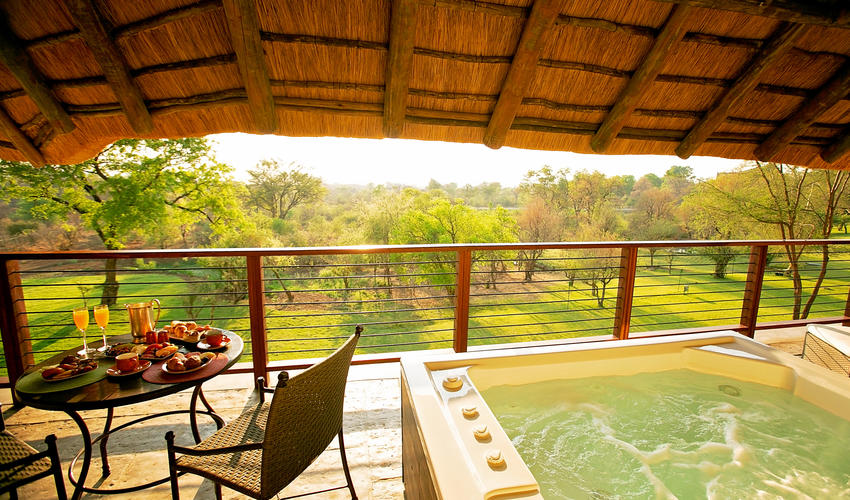 Executive Suite Balcony View with Hot tub, Ilala Lodge Hotel