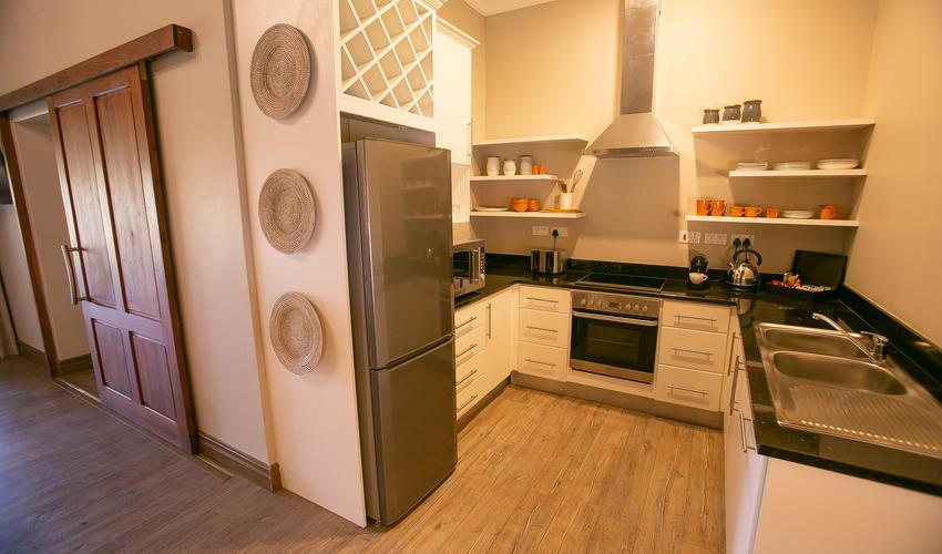Strathearn Suite, kitchen