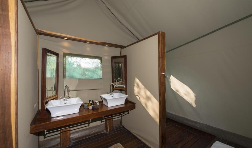Bathroom, double basin & inside shower
