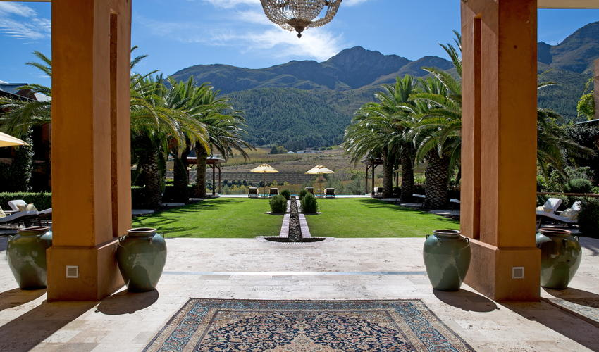 The Palm courtyard at La Residence