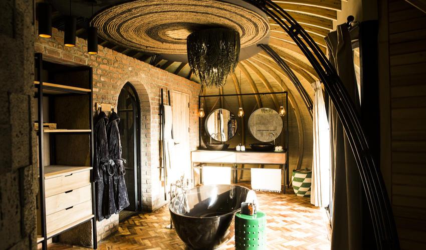 En-suite bathroom in a Forest Villa