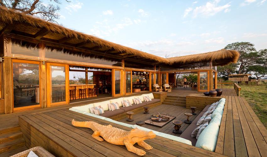 Shumba deck with sunken lounge