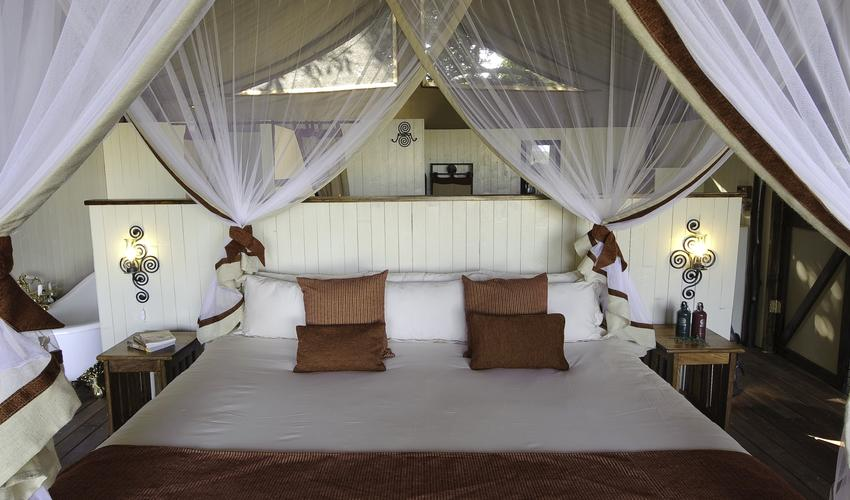 Luxury & comfort in in well layed out safari tents on timber decks