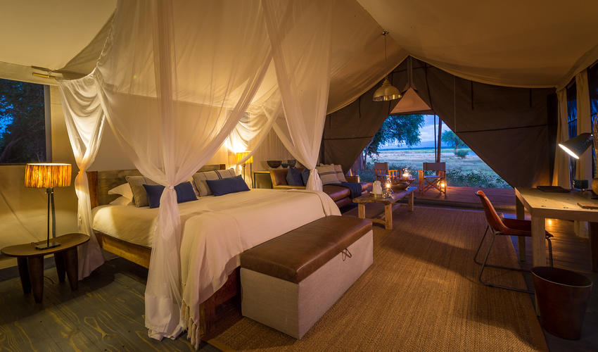 Ruckomechi accommodates guests in 10 spacious en-suite tents