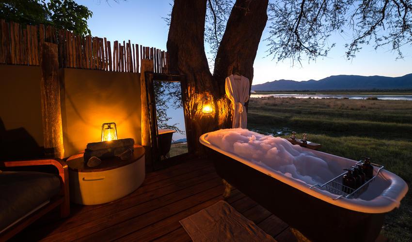 Ruckomechi's legendary outdoor bath offers a romantic interlude