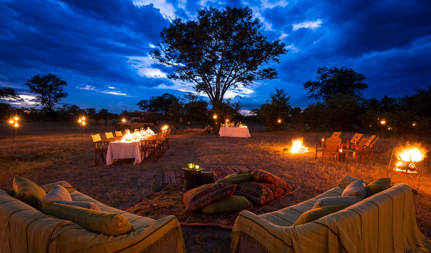 Stylish al fresco dining under the African skies