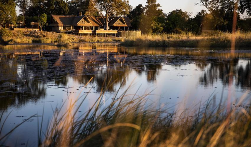 King's Pool overlooks an eponymous oxbow lagoon