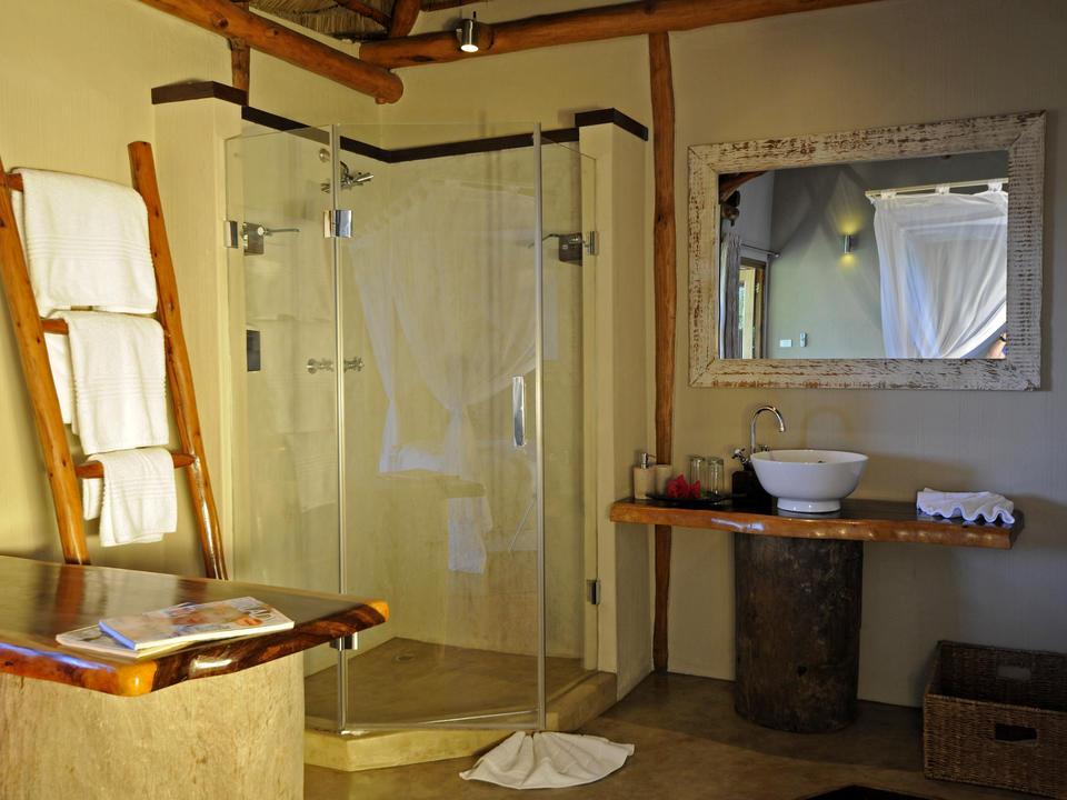 Classic Chalet Bathroom