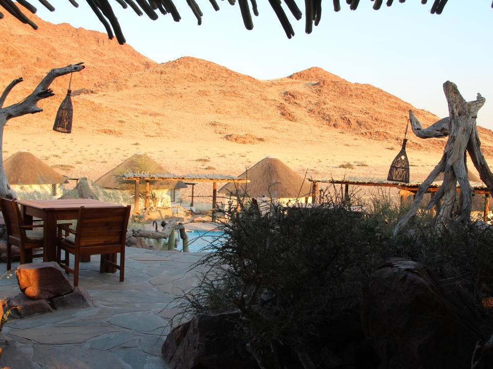 Restaurantterrasse und Pool