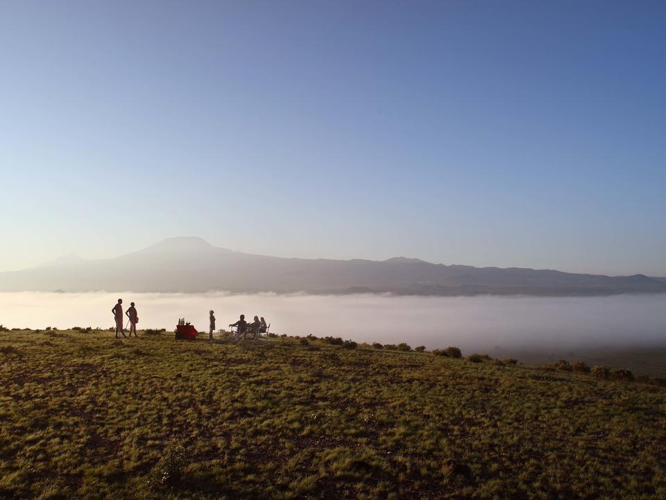 Sundowners mit Blick auf den Kilimandscharo
