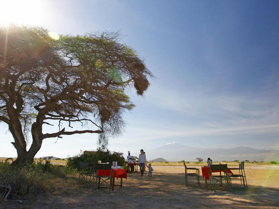 Busch-Frühstück auf der Ebene von Amboseli