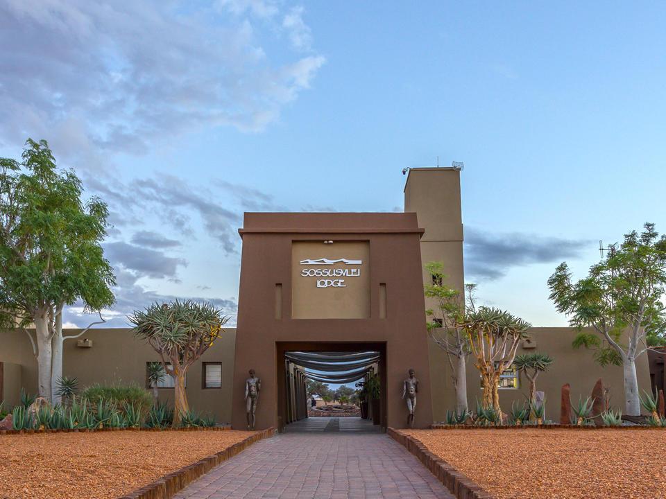 Eingang der Sossusvlei Lodge