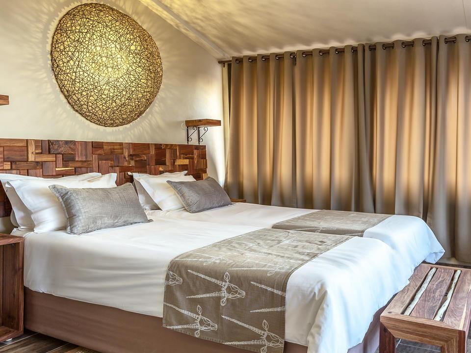 Superior Unit Schlafzimmer mit kompletter Klimaanlage und Kaffee- und Teezubehör
