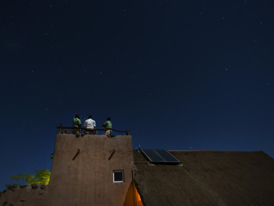 Namibias klarer, leicht verschmutzungsfreier Himmel lädt zum Sternengucken ein