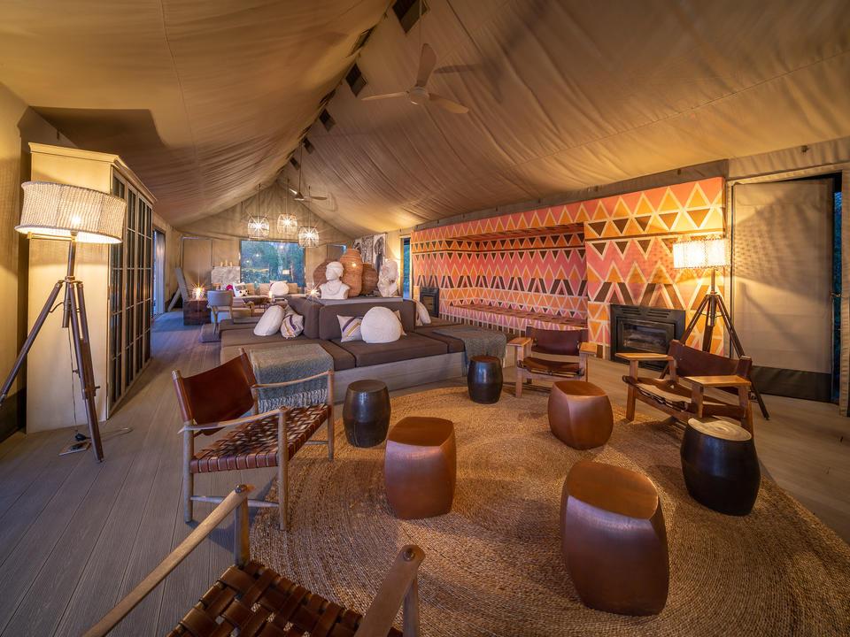 Warme und einladende Linkwasha Lounge