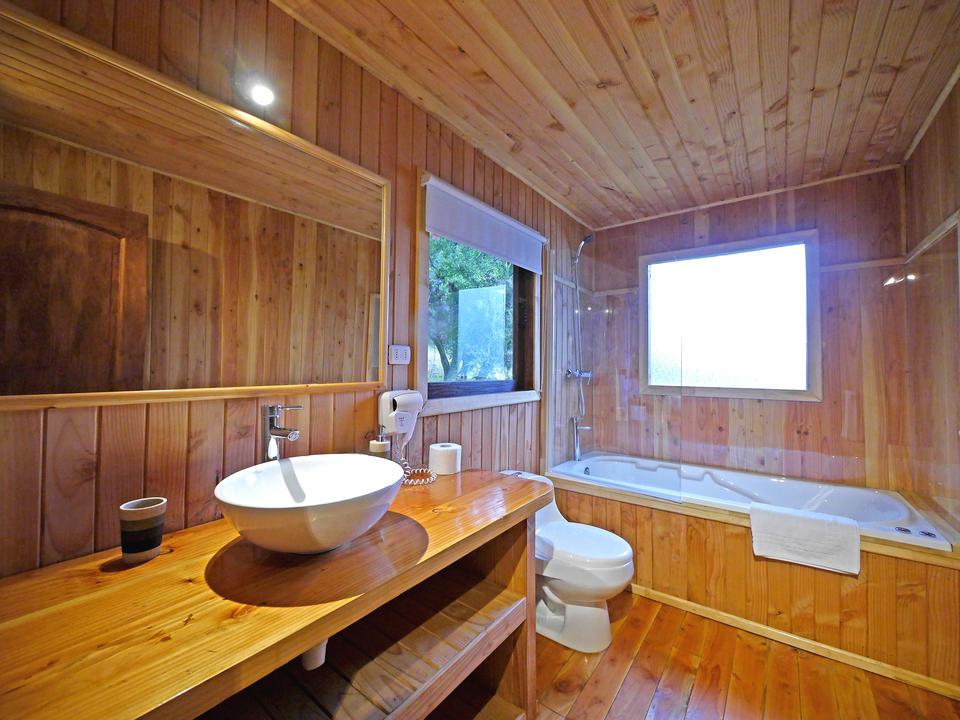 VIP bungalows bathroom