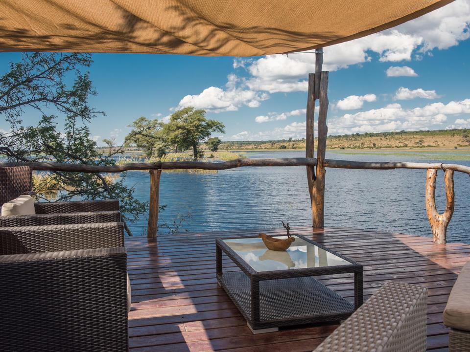 Terrasse mit Blick auf den Chobe