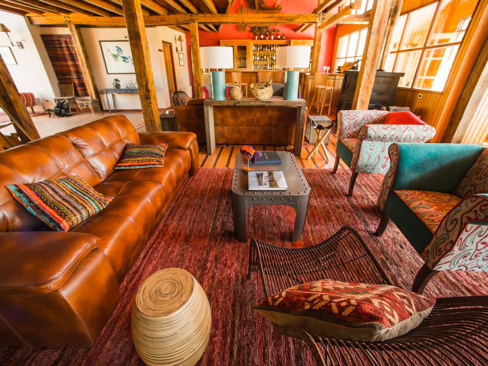 Take timeout with like-minded people in this unique home away home