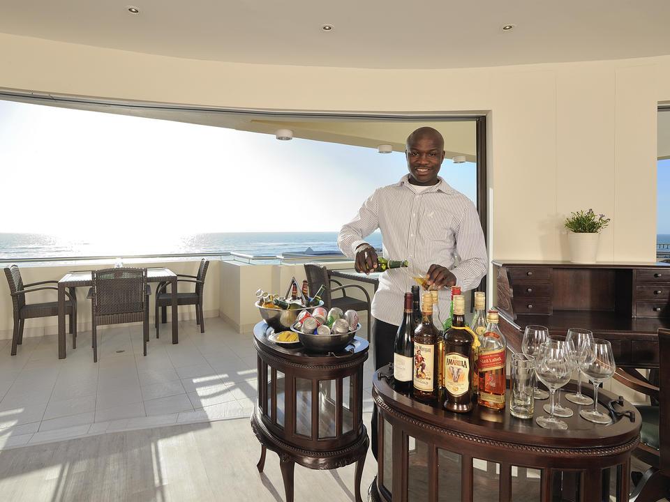 Unsere Lounge Bar ist für Sundowners geöffnet
