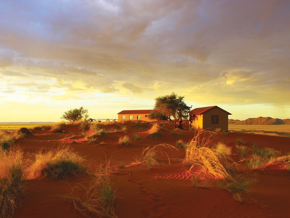 Namib Dune Star Camp nach Sonnenaufgang