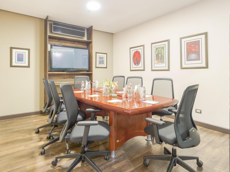 Kapazität des Besprechungsraums 8 Personen
