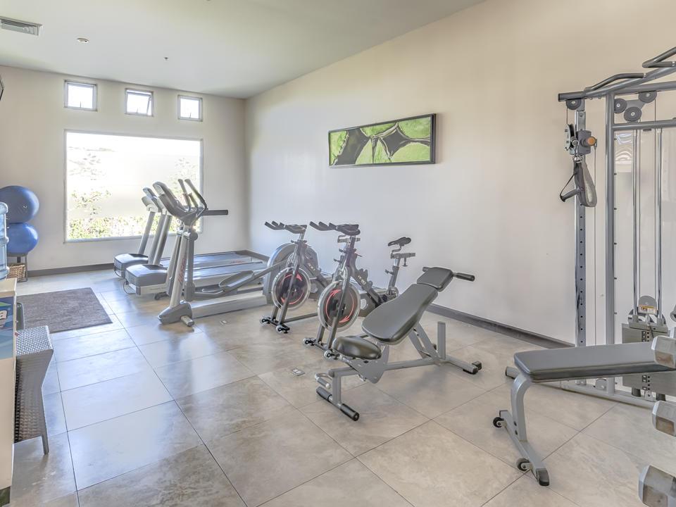 Fitnessbereich im Studio Hotel