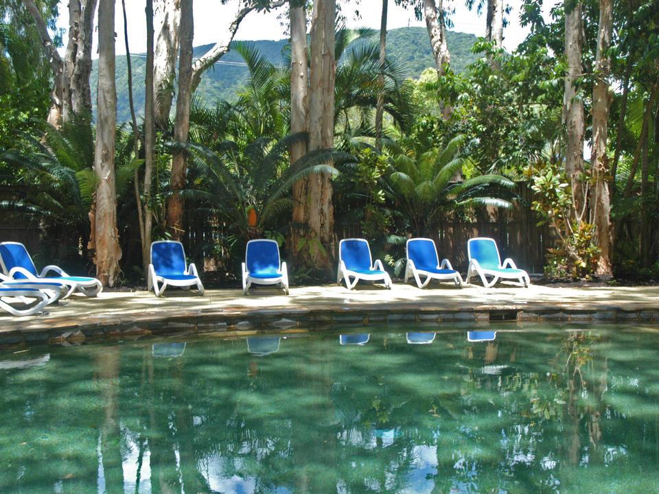 The Reef Retreat Pool & Pool furniture