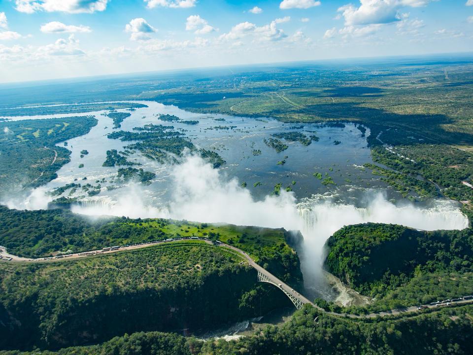 Arial Blick, Spray der Wasserfälle von Ilala Lodge
