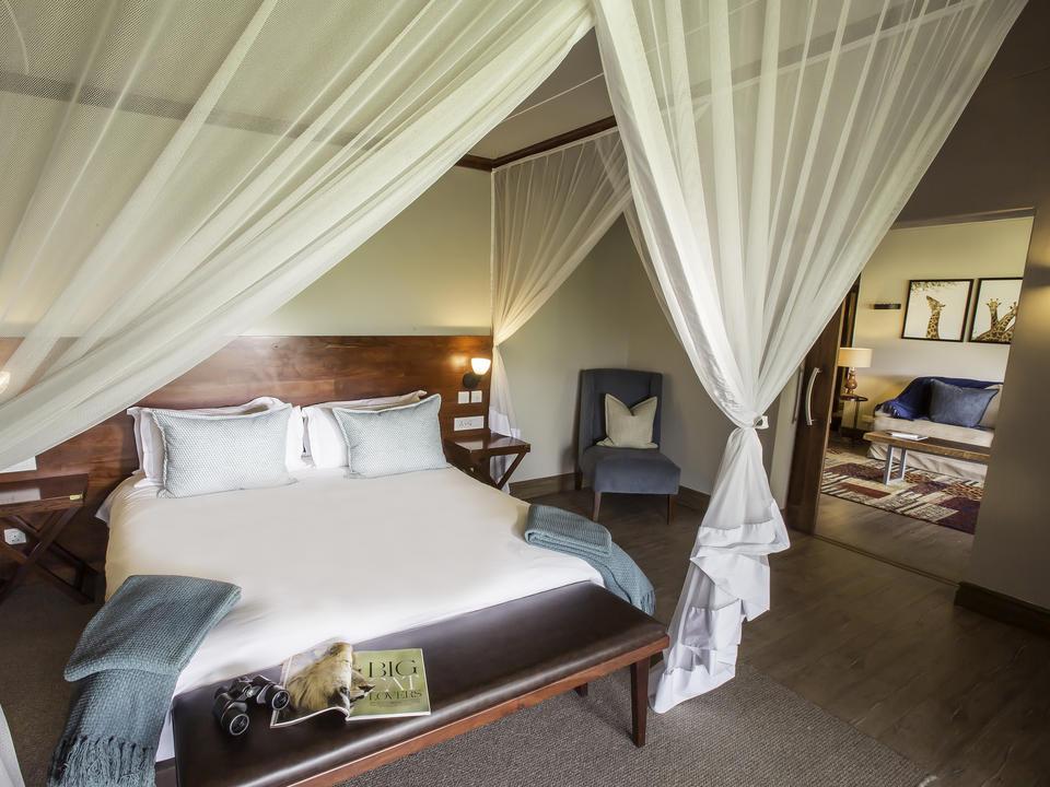 Strathearn Suite, Schlafzimmer mit Blick auf die Lounge