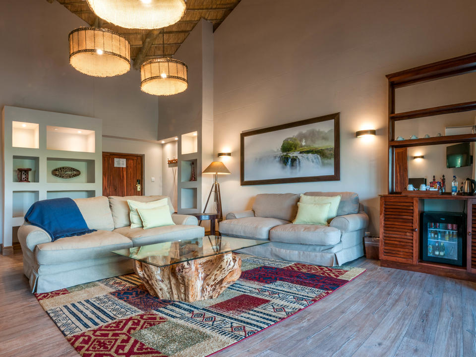 Executive Suite mit Blick auf die Lounge, Ilala Lodge Hotel
