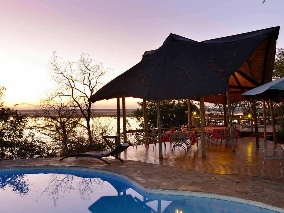 Erfrischen Sie sich im Pool mit Blick auf die Chobe Flood Plains