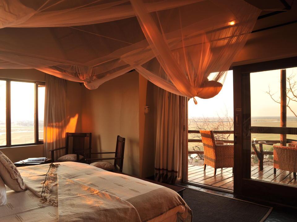 11 strohgedeckte Chalets mit Panoramablick auf die Chobe