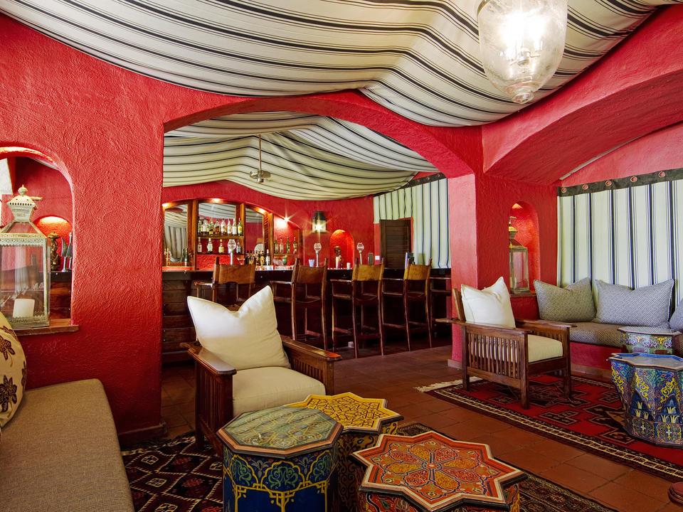 Die unten Linyanti Cocktailbar