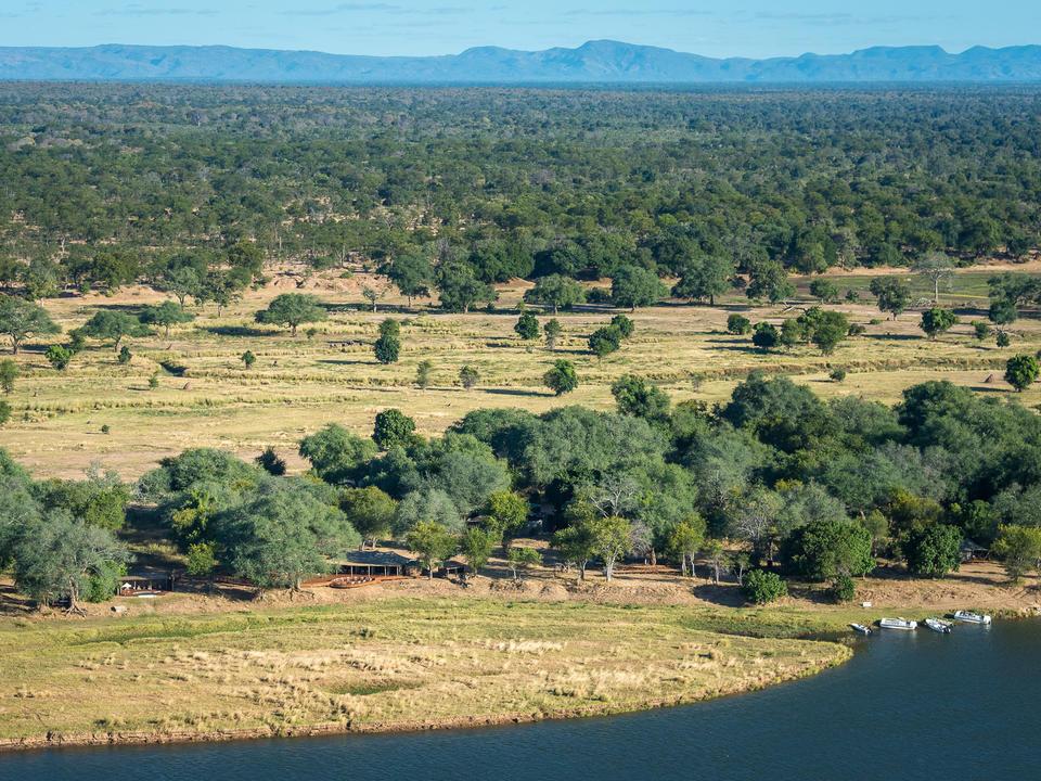 Ruckomechi liegt am Ufer des Sambesi-Flusses neben dem Mana Pools Nationalpark