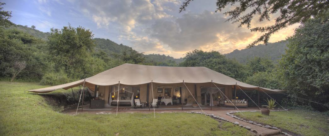 Family Tent & Accommodation - Maasai Mara Fly in