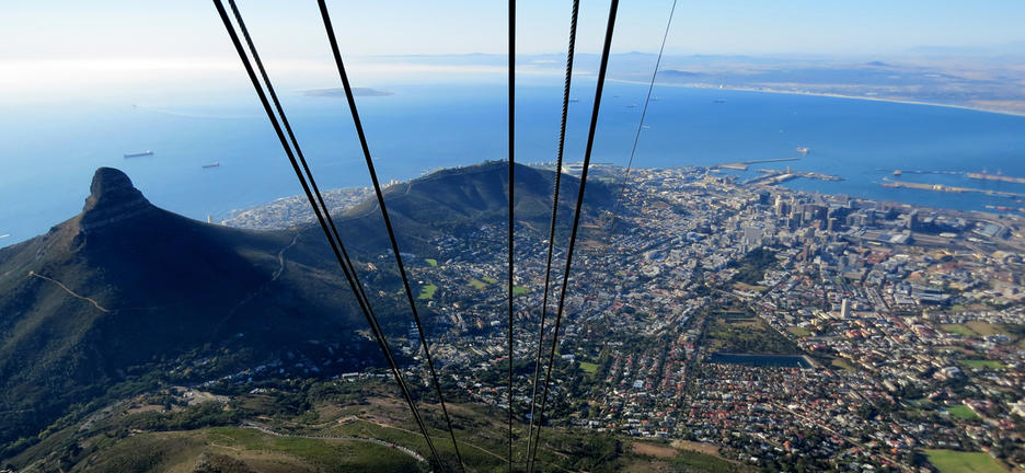 Cape town robben island table mountain culture explore - Robben island and table mountain tour ...