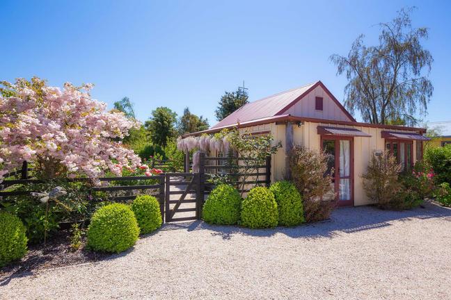 Tasman Village Cottage