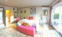 Champagne - Ground Floor Suite