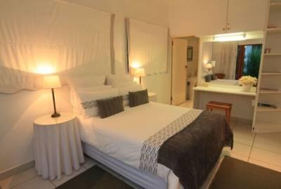 Double + Single Bed / Shower