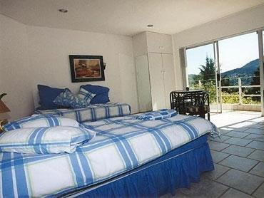 BLUE ROOM SUITE NO 3 (Single Room)